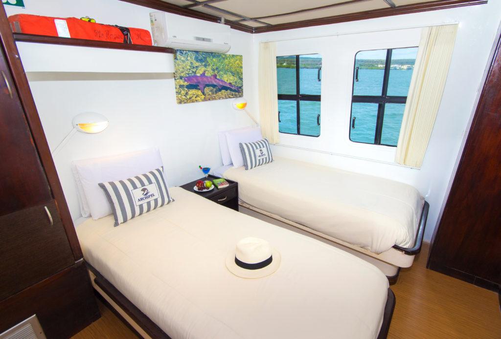 Archipel II Twin Cabin decor