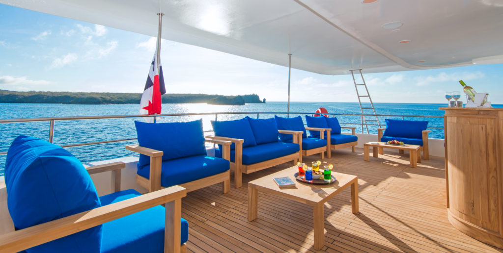 Spacious Tip Top II Sundeck