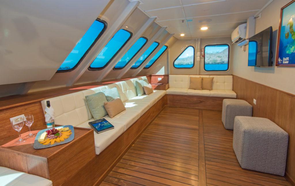 5 Day Galapagos cruise onboard the Tip Top II