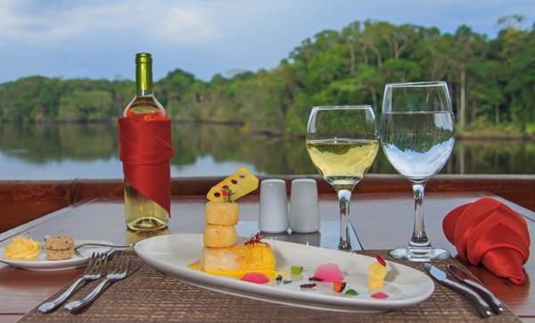 Luxury jungle lodge in Ecuador