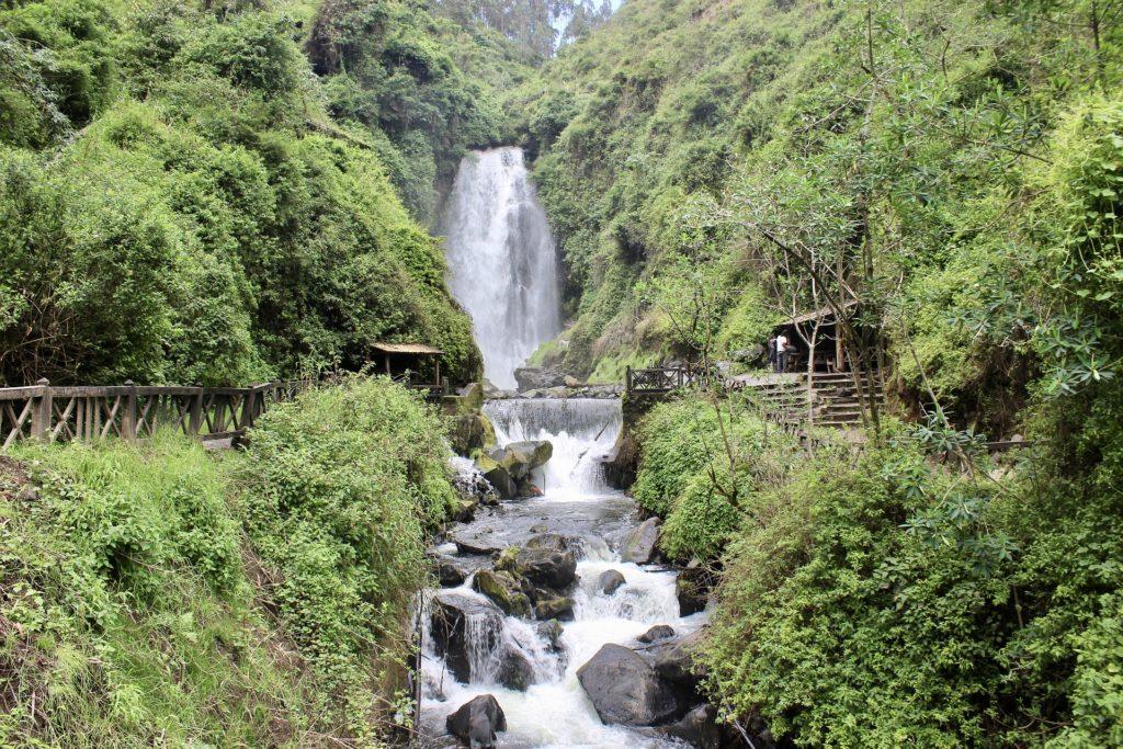 waterfall-2702882_1920