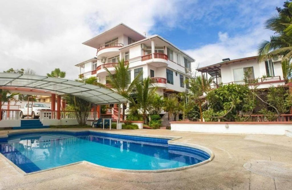 Comfortable Island Hopping Hotel