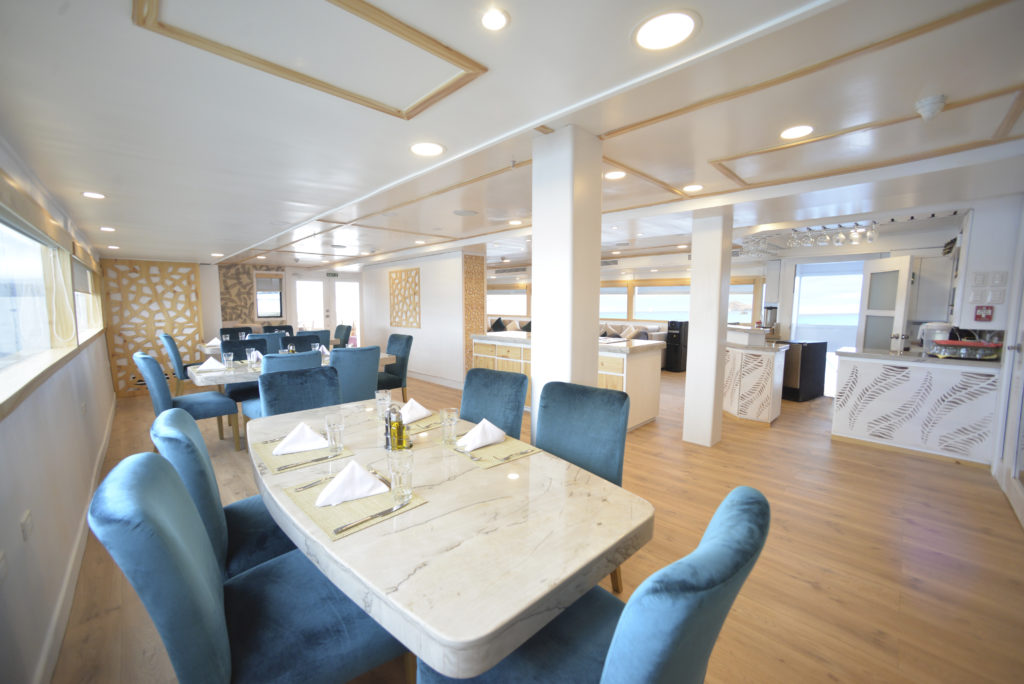 Fine dining onboard the perfect Galapagos luxury cruise