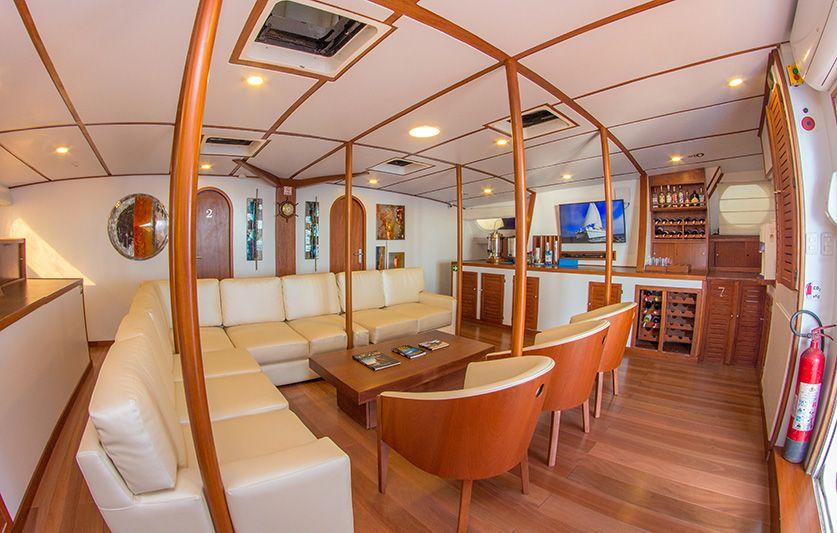 Nemo II a comfortable Galapagos cruise