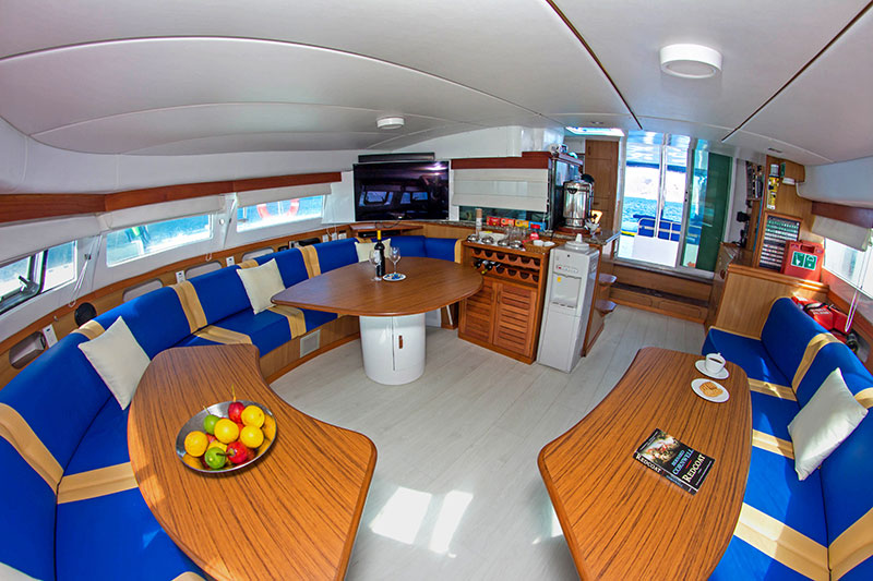 Nemo I Lounge the best Galapagos adventure cruise