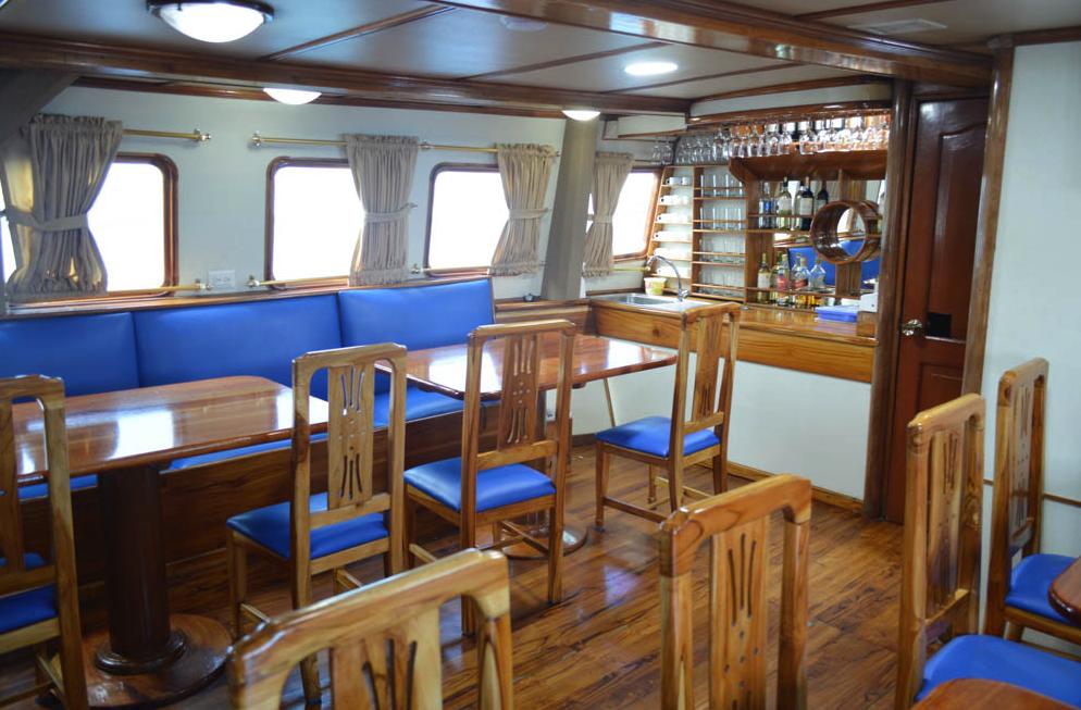Golondrina Budget Galapagos Yacht